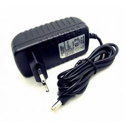 Adapter mrežni 12V 2A
